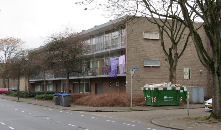 Menno Boer stelt vragen over staat van onderhoud van deze woningen.