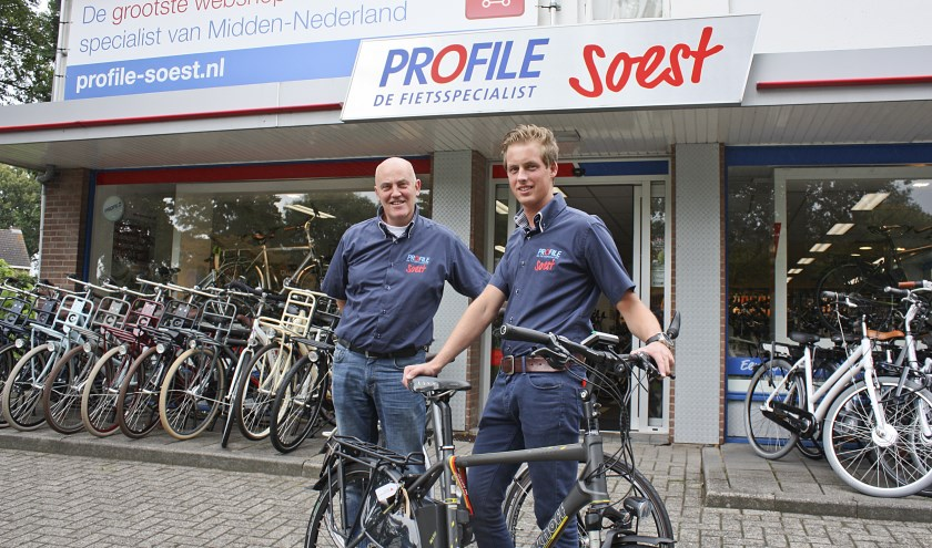 Dirk Boshuis en vestigingsmanager Matthijs de Kam (r).