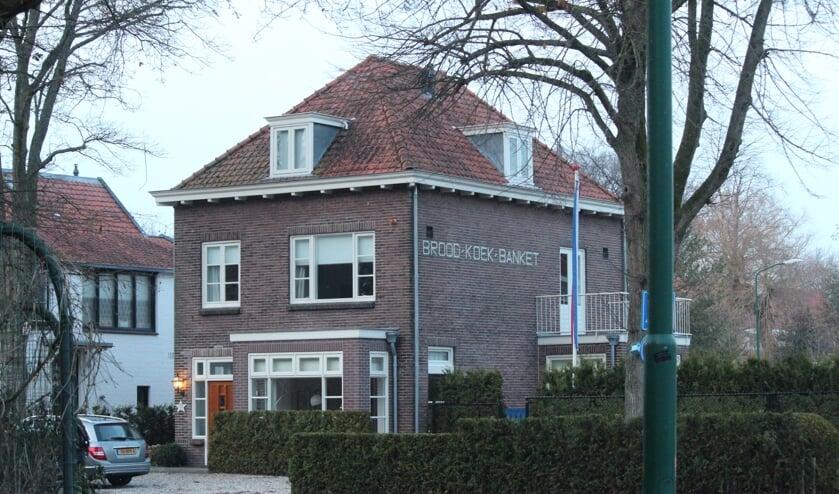 In 1991 stopte de winkel. De winkel is inmiddels bij het woonhuis betrokken, zodat de oorspronkelijke staat van het pand weer terug kwam.