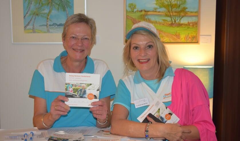 Nelleke Reitsma en Ella Prins vertegenwoordigden Veilig Verkeer Nederland.