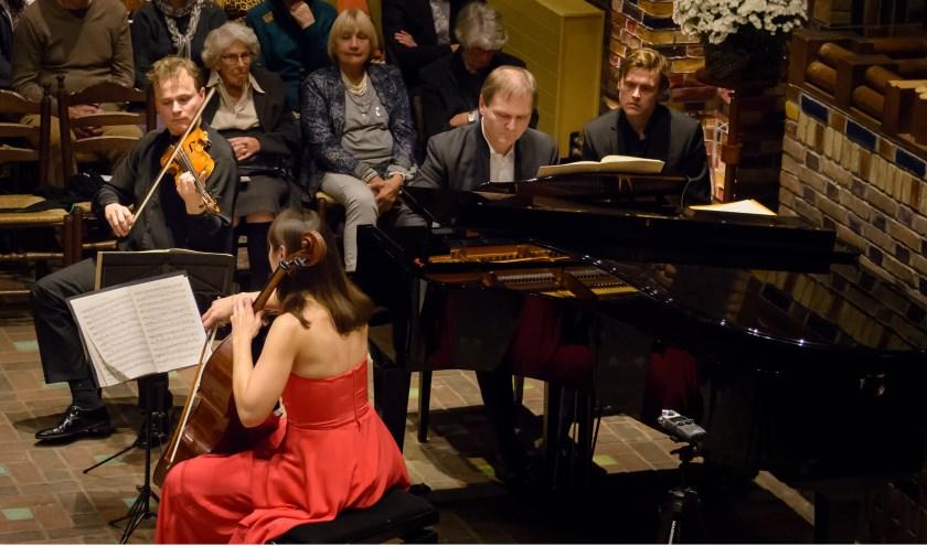 Prachtige muziek in de Woudkapel. (foto Rob van der Voort)