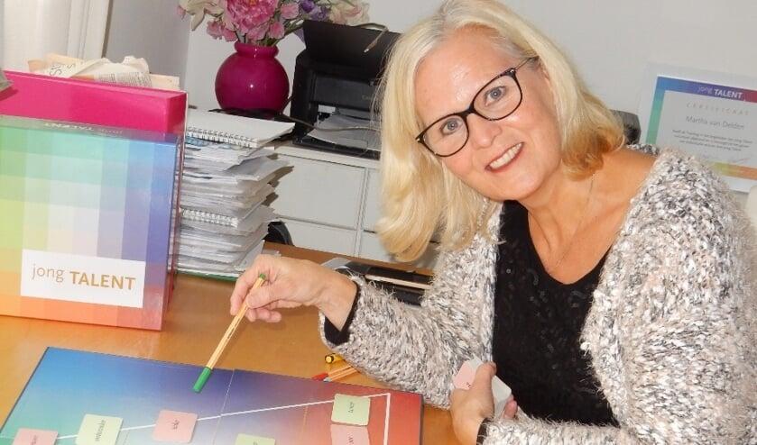 Martha van Delden maakt gebruik van het Jong Talentenspel om jongeren te helpen bij hun studiekeuze.