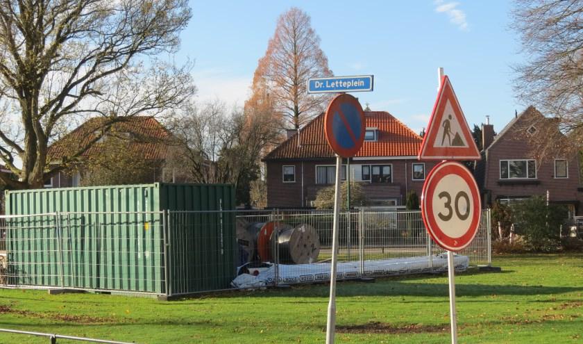Een voorstel van de fractie Schlamilch om bij het reconstrueren van het Dr. Letteplein snelheidremmers te plaatsen krijgt geen steun van de andere fracties.
