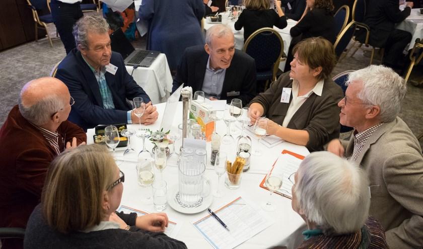 Bedrijven en maatschappelijke organisaties vinden elkaar aan tafel. (foto Hans Lebbe / HLP Images)