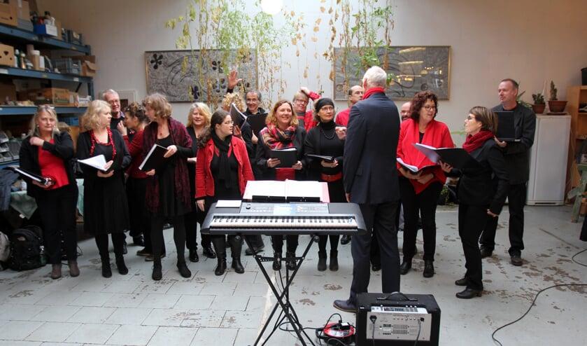 Optreden van Wereldmuziekkoor Sophie's Voice. [foto Reyn Schuurman].