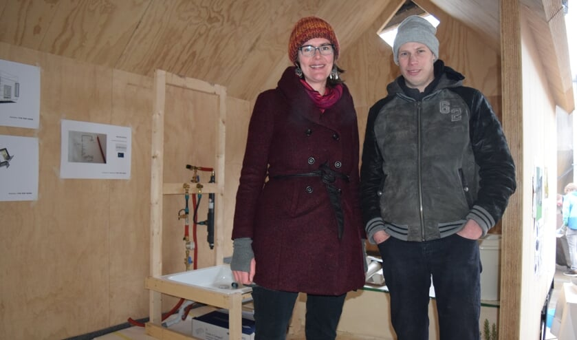 Karin en Gijsbert in hun Tiny house