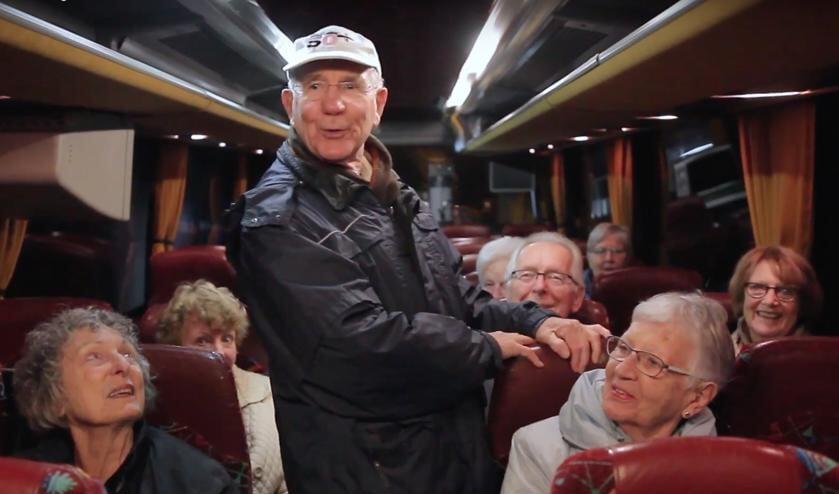 Tivoli maakt een uitje nog toegankelijker met de speciale Uit & Thuis bus voor senioren.