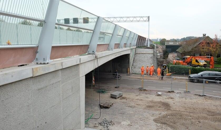 Viaduct Groenekan nadert voltooiing.