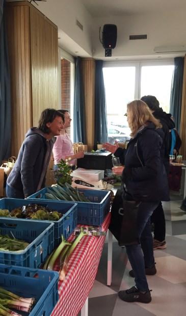 Boeren en Buren ontmoeten elkaar in Hollandsche Rading.