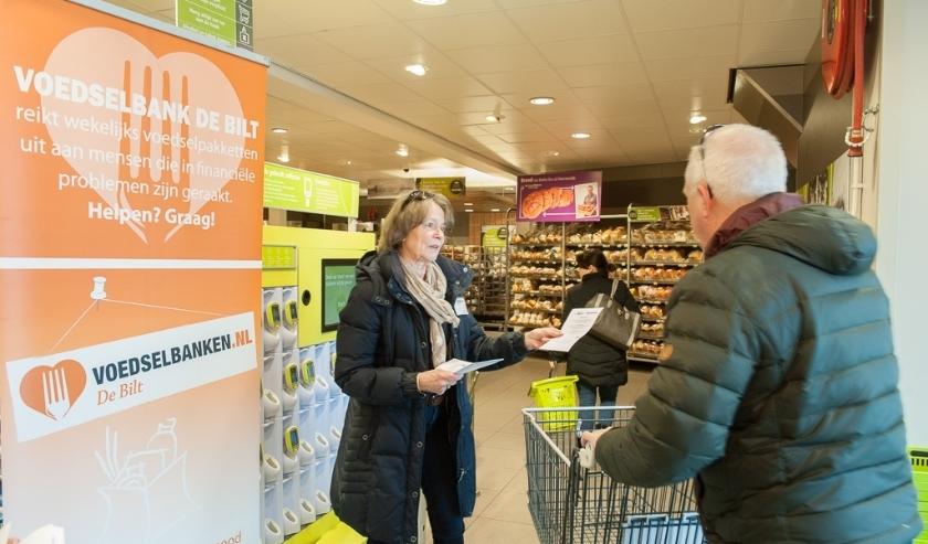 Al vele jaren is de Voedselbank van vrijwilligers afhankelijk, zoals hier in De Bilt in 2016.