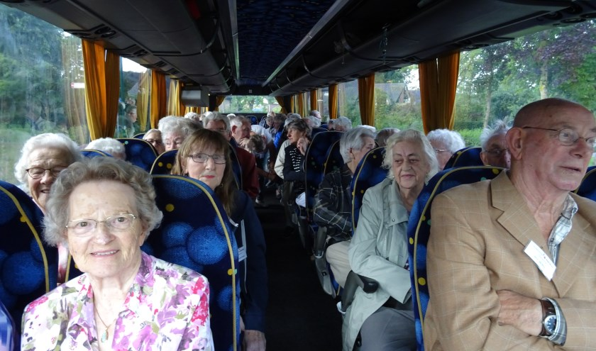 In goede stemming vertrekken de gasten naar Leerdam.