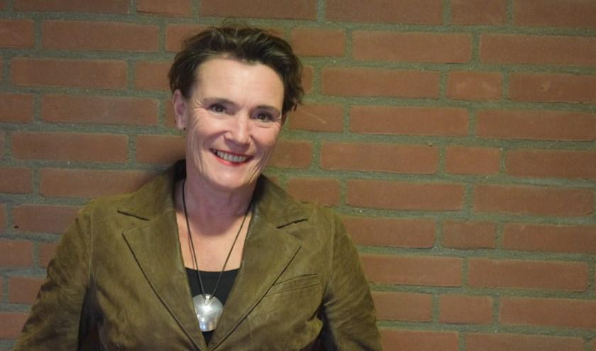 Inge Nix hoopt verzorgt vijf specials op het gebied van persoonlijke ontwikkeling.