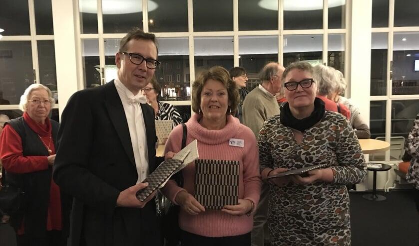 Arjan Walraven met gastvrouwen Marjan en Henriette.