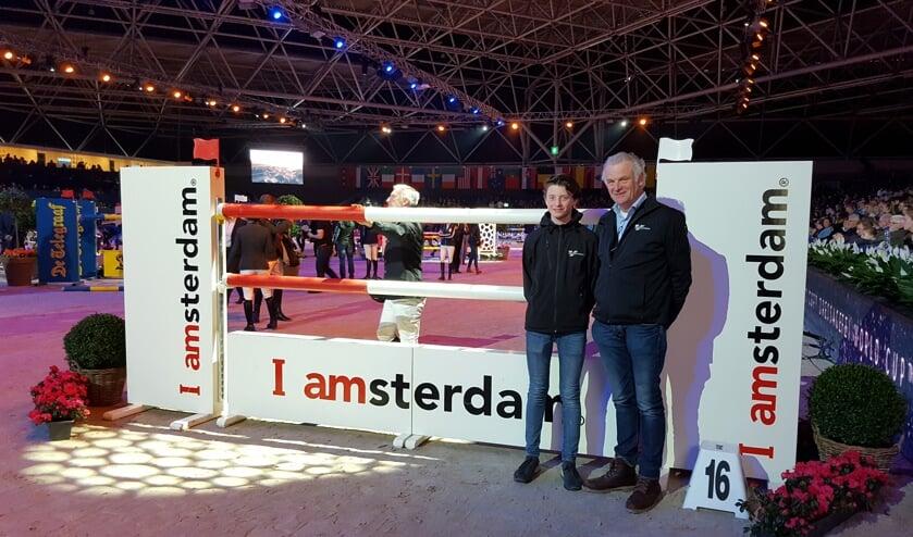 Ton en Harm Agterberg voor aanvang van de Grote Prijs van Amsterdam. De volgende generatie staat alweer te trappelen om het rijdend materieel te mogen besturen.