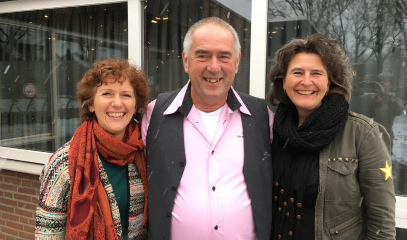V.l.n.r.: Cynthia Vrijsen, Gerrit Sodaar en Mirjam Valkenburg organiseren de markt Samen Leuke Dingen Doen in De Vierstee.
