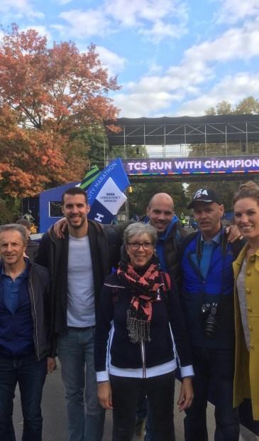 Wout van Dronkelaar, deelnemer Nanne de Vries, deelnemer Nathalie Schaafsma, Jasper de Vries en deelnemer Menno de Vries. [HvdB]