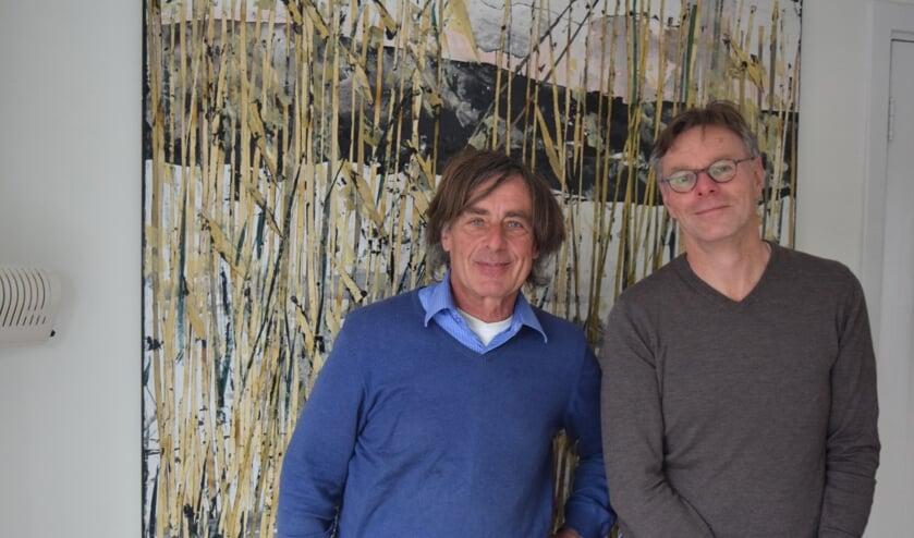 Hans Sluijmer (l) en Zwer Kooi (r) maken zich ernstig zorgen over het voormalig Hessingterrein