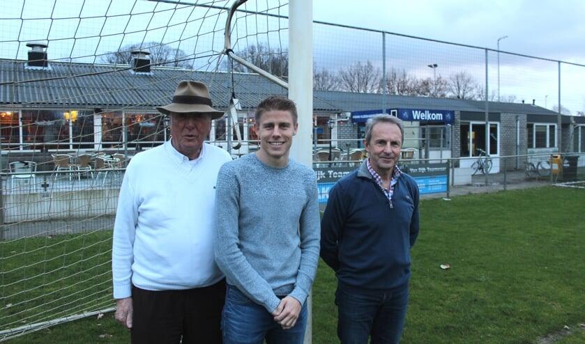 SVM en Kevin Ligtermoet vinden dat de eerste doelen zijn gehaald. V.l.n.r.: Bestuursvoorzitter Frans van der Tol, trainer-coach Kevin Ligtermoet en Hoofd Technische Zaken Wout van Dronkelaar.