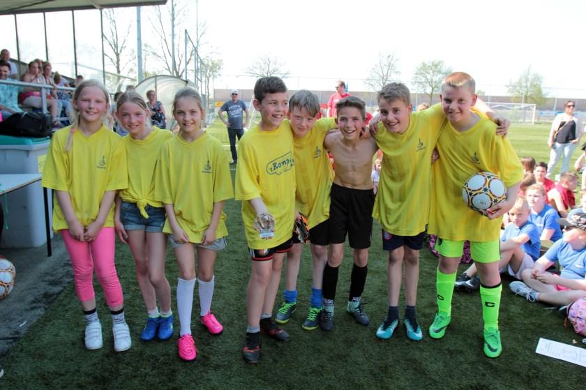 Het team van Het Kompas was een van de poulewinnaars.