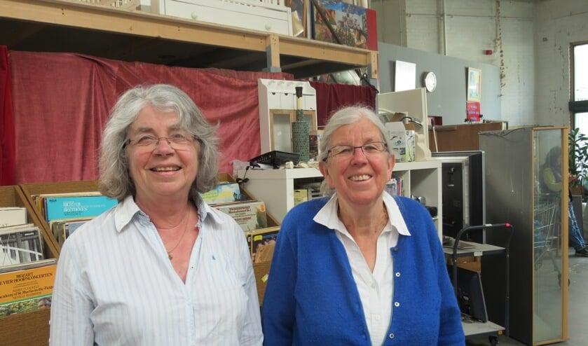 Inemie Gerards (links) en Monique de Blaey, voorzitter van de projectcommissie.