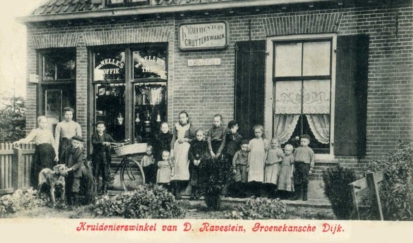 Kruidenierswinkel van Ravestein te Groenekan.
