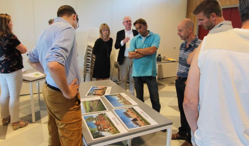 Dinsdag 3 juli was er in het Dorpshuis in Hollandsche Rading aan de Dennenlaan 57 een inloopavond, waarbij medewerkers van de gemeente aanwezig waren voor informatie over de ontwerpbesluiten voor dit project.