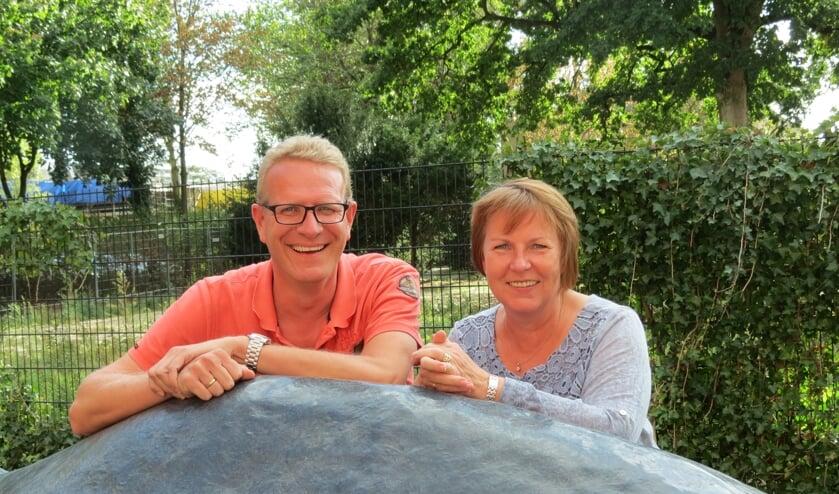 Bob van der Kuijl en Anja Donker van de reüniecommissie. Johanneke Eijkman was bij het gesprek niet aanwezig.