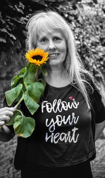Bilthovense Janny Smits (bekend van World Peace Is Possible en Stop Pesten NU) ging ook op de foto voor de Boom van Tolerantie. Van haar zijn ruim dertig foto's geschoten, waarvan de mooiste is uitgekozen voor het bijzondere initiatief.
