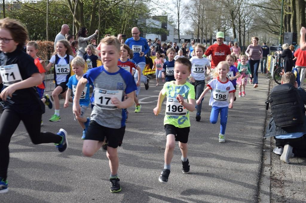 De jongste deelnemers bij Running De Bilt.  © De Vierklank