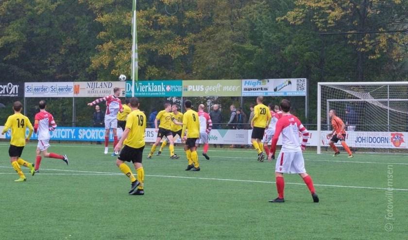 FC De Bilt zette alles op alles voor de gelijkmaker, maar het mocht niet baten. (foto Henk Willemsen)