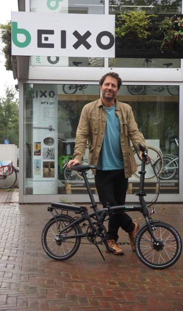 Eigenaar Ad Tummers voor de hoofdvestiging van Beixo in De Bilt.