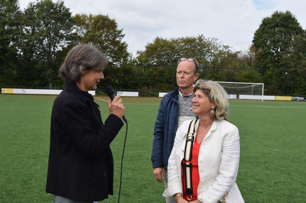 Zaterdag 5 oktober verzorgde wethouder Madeleine Bakker-Smit de aftrap van de Week van de Duurzaamheid.   © De Vierklank