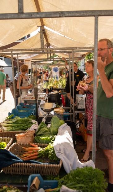 Op de Biltse streekmarkt duurzame producten van Biltse bodem.