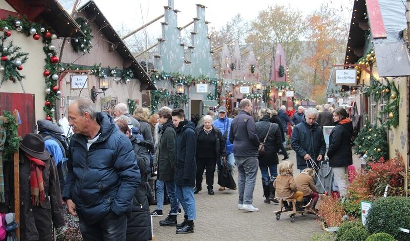 Het kerstdorp bij Vaarderhoogt trekt jaarlijks veel bezoekers.