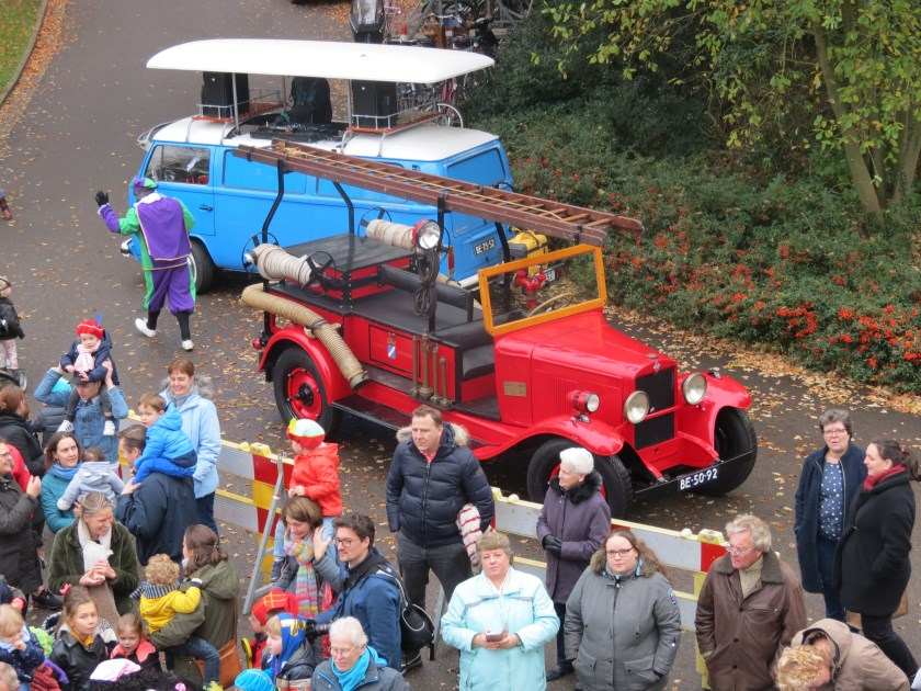 De oude brandweerauto waarmee Sinterklaas naar Jagtlust kwam.