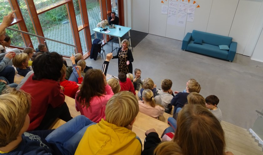 Sportwethouder Madeleine Bakker ging uitgebreid in op respect in sport.