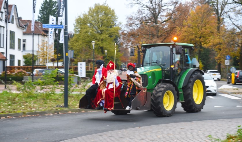 Sint op de tractor