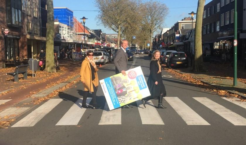 Françoise Pisters (C&Q executive search), Migchel Dirksen (directievoorzitter van Rabobank Rijn & Heuvelrug), Anne van der Valk (Van der Valk De Bilt – Utrecht) op promotour.