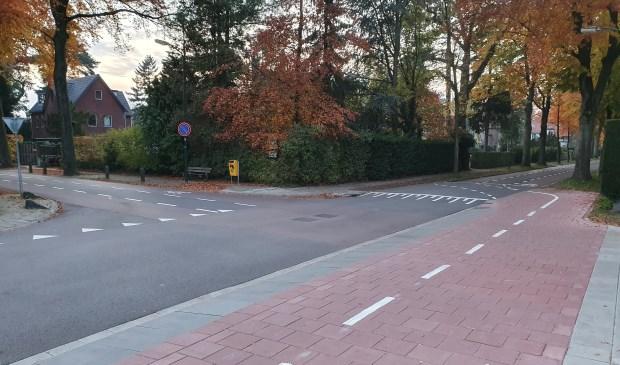 Wie heeft voorrang op de hoek Jan Steenlaan/ Rembrandtlaan?  © De Vierklank