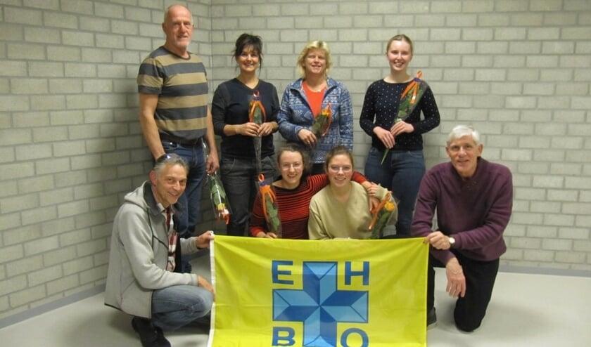 De cursisten Adore, Angelique, Charlotte, Gijs, Iemke, Jeanette behaalden hun diploma EHBO met bediening van de AED.