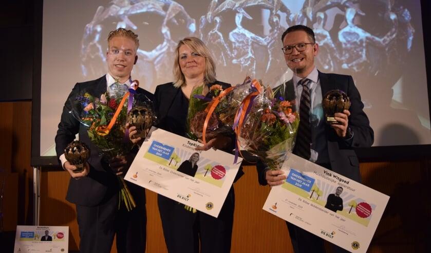De winnaars in de diverse categorieën waren Raymond de Vries (l) van Rocketstyle in de categorie Starter van het jaar, Mirella Saffrie van Topkids in de categorie Ondernemer van het jaar en Ruth Nagel (r) van Vink Witgoed in de categorie Middenstander van het jaar. [foto Walter Eijndhoven]