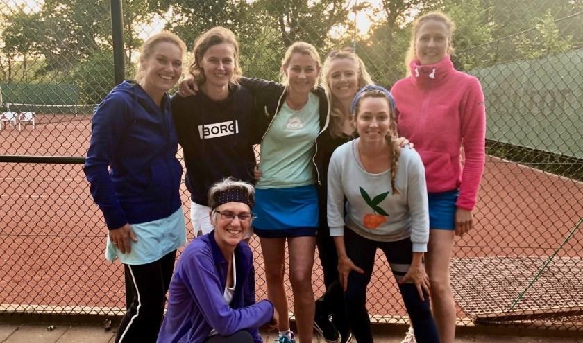 De dames van TC Voordaan sleepten het kampioenschap binnen.