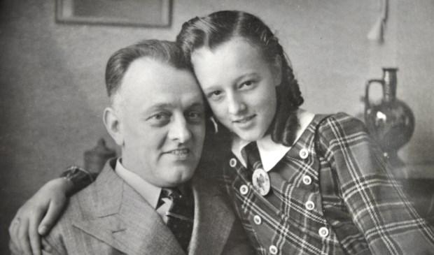 Annie en haar vader. (foto Universiteit Utrecht)  © De Vierklank