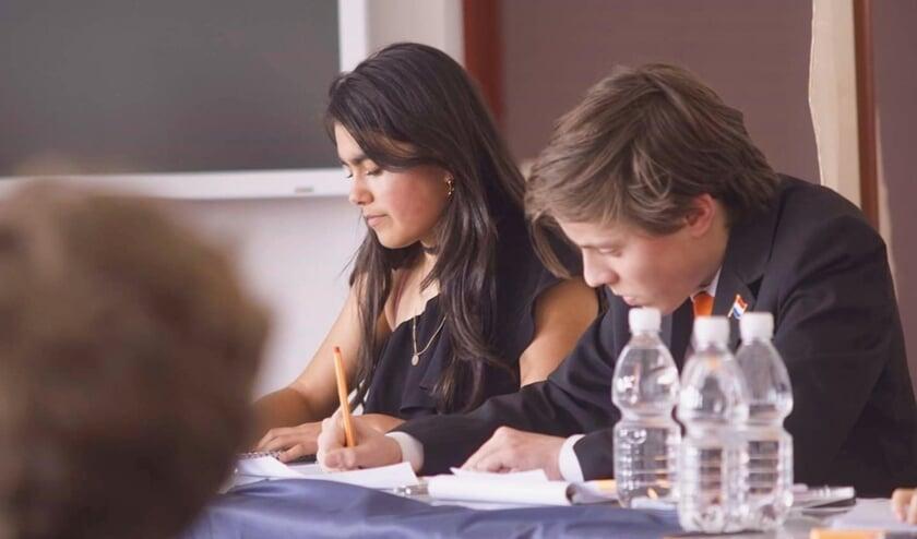 Dina Gijswijt debatteert individueel bijna als beste. (foto WP)