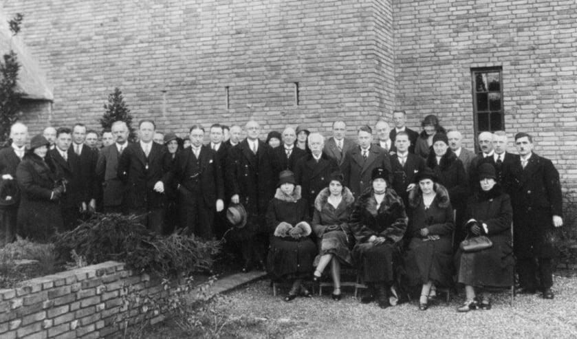 De Van Everdingenschool: het gebouw werd op 23 januari 1932 in gebruik genomen en was gelegen aan de Soestdijkseweg Zuid.
