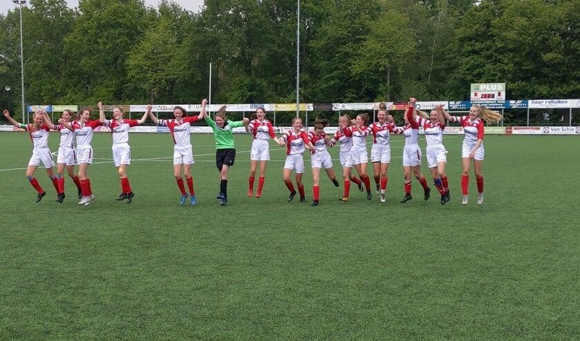 Grote bleidschap bij de meiden van FC De Bilt.