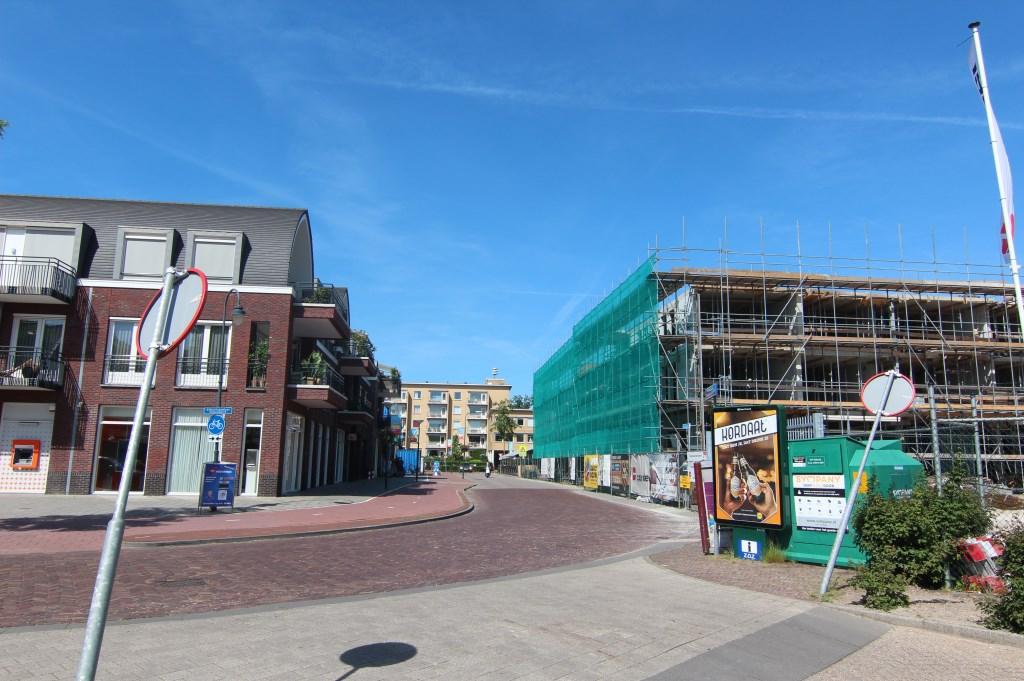 Het Vinkenplein wordt een plek om te ontspannen en te ontmoeten. De nieuwe bebouwing aan het Vinkenplein biedt tevens ruimte om te wonen. Het parkeren vindt plaats in een eigen, ondergrondse parkeervoorziening.  © De Vierklank