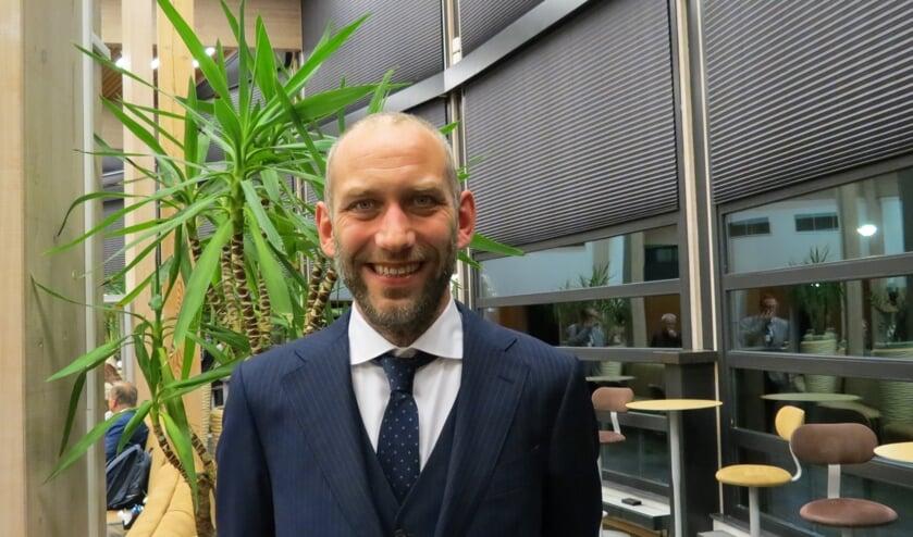 Erik den Hertog stelt vragen over de overlast van de eikenprocessierups.