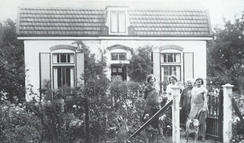 In W.O. II waren Duitse soldaten ingekwartierd op boerderij 't Veldhuis in Maartensdijk. (foto uit de digitale verzameling van Rienk Miedema)