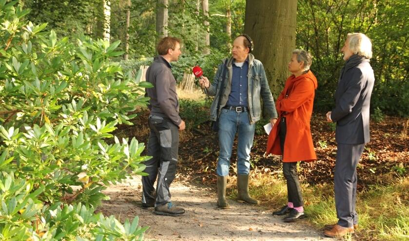 V.l.n.r. Matthias van Boetzelaer, verslaggever Robert Jan Booy, Heidi van Limburg Stirum en Otto van Boetzelaer.